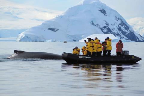 antarctica_crossing_circle_highlight_0[1].jpg